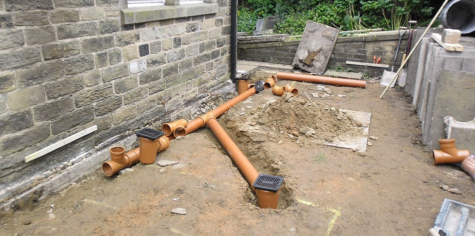 Sewage considerations building contractors london for Ground drain
