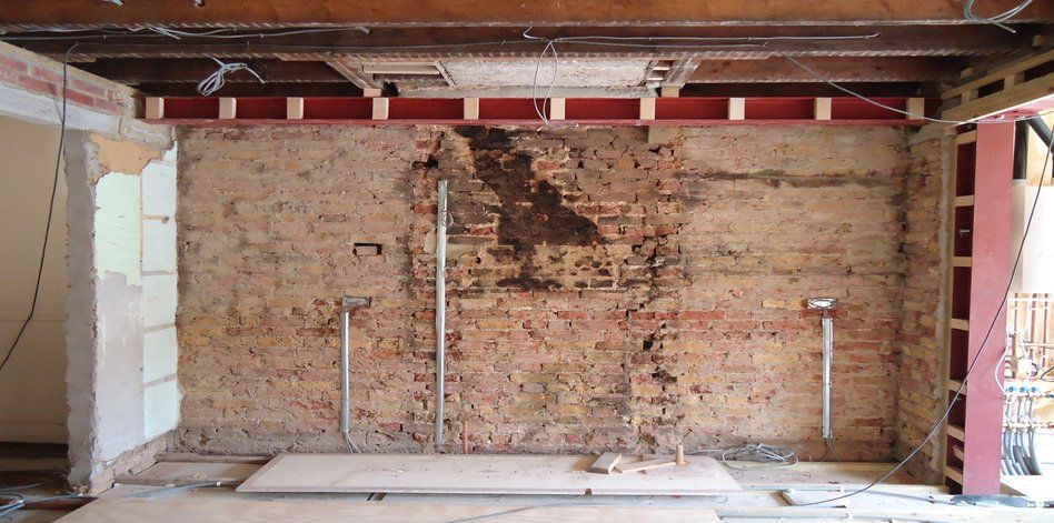 Chimney breast removal building contractors london for Contractors needed to build a house